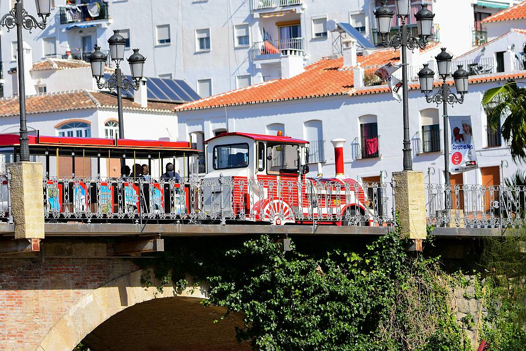 Wally Trolley, Nerja